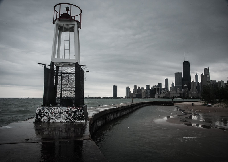 North Ave. Beach (Chicago) jetty and beacon