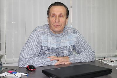 Директор челябинской хоккейной школы имени Сергея Макарова Юрий Макаров рассказал в интервью 74hockey.ru об успехах команды девочек.