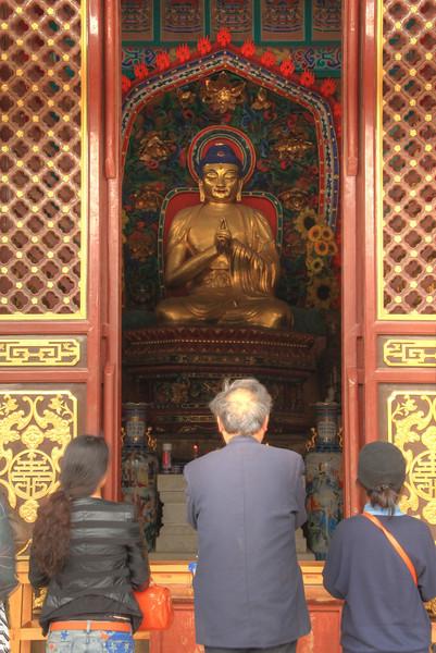 Big Buddha statue at Yuantong Temple