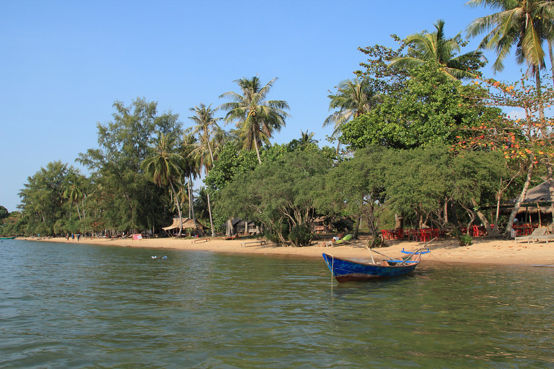Welcome to Rabbit Island, a sparsely populated beach island of mostly fishing and coconut farming families. These families also now run bungalows and restaurants. Electricity comes from a diesel generator and is only on from 7-10pm.