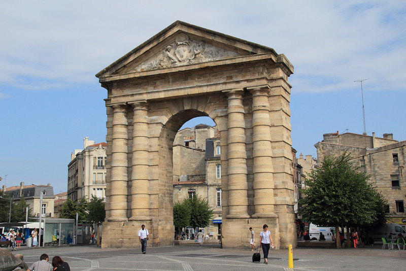 Arch at Place de la Victoire