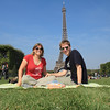 A picnic under the Eiffel Tower!