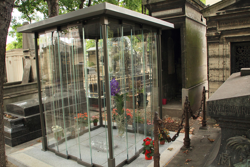 We took a visit to the Montmartre Cemetery
