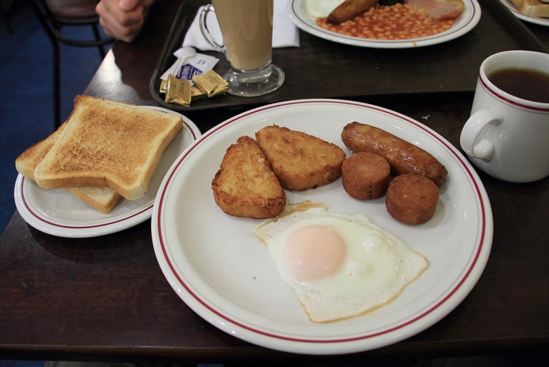 We were excited to try a classic Irish breakfast. We followed a recommendation to a small hole-in-the-wall diner and had a delicious breakfast.<br /> <br /> Brad's breakfast: egg, hash brown, sausage, white pudding, toast, tea.