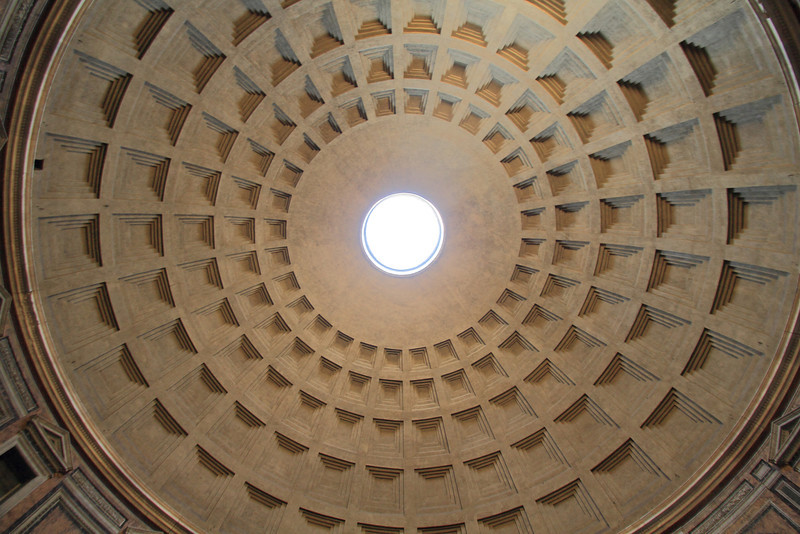 Under the dome of the Pantheon