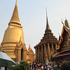 From left to right: Phra Siratana Chedi, Phra Mondop, Hor Phra Rajkoramanusorn.