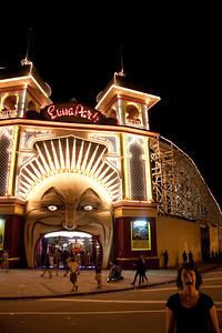 Cath imitating Luna Park