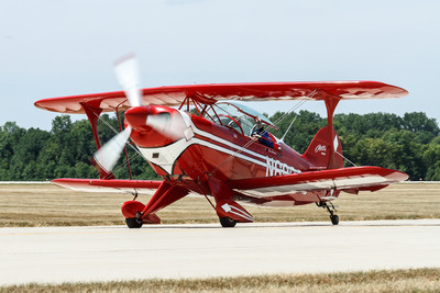 Pitts Special - S2-B aerobatic biplane designed by Cirtus Pitts.