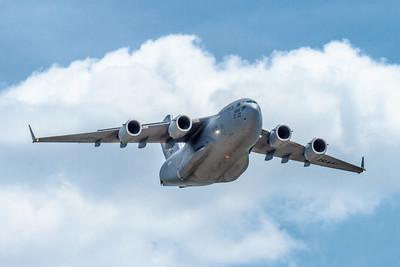 Boeing C-17 Globemaster III large military transport
