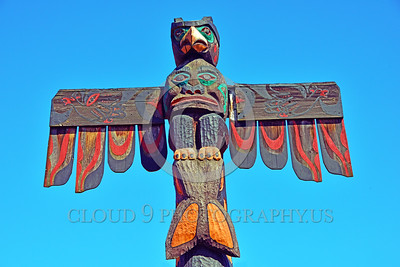 TotPol 00010 A well carved weathered bird of prey inspired totem pole detail, totem pole picture by Peter J Mancus