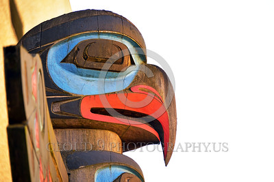 TotPol 00004 A well carved bird of prey inspired totem pole detail, totem pole picture by Peter J Mancus