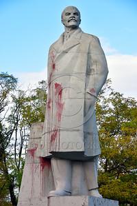 STY-VLenin 0013 A rare, surviving, Soviet era, unpopular in Odessa, Ukraine in 2015, large statue of revolutionary Russian communist party co-founder, dictator, and political-economic theorist, Vladimir Lenin, statutory picture by Peter J  Mancus