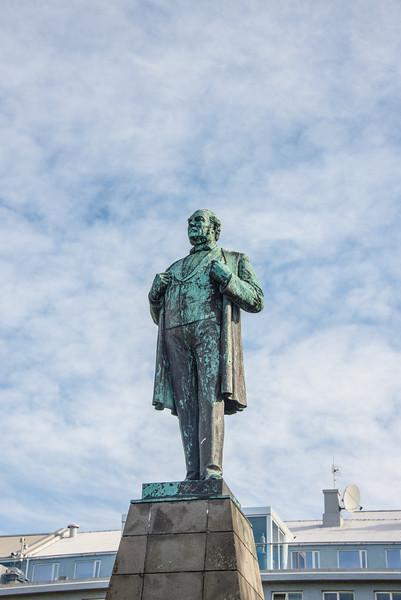Statue of Jón Sigurðsson