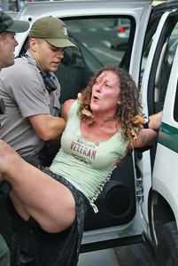 Emily Yates arrest - Philadelphia August 2013 (32)