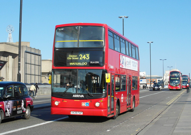 DLA239 - X439FGP - London (Waterloo Bridge) - 2.4.13