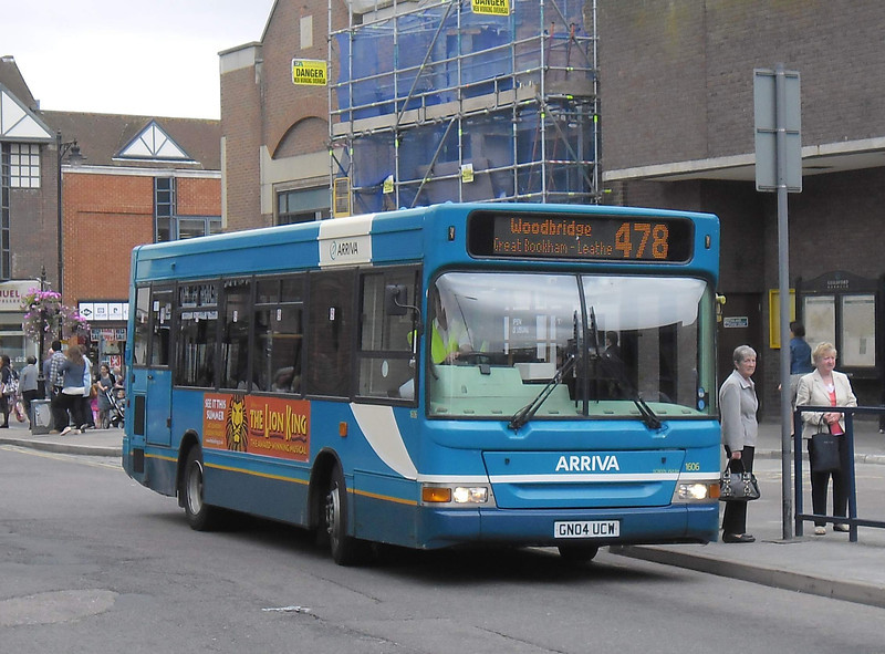 1606 - GN04UCW - Guildford (Friary bus station) - 16.8.11
