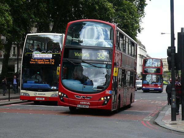 Arriva London DW226 110905 Victoria