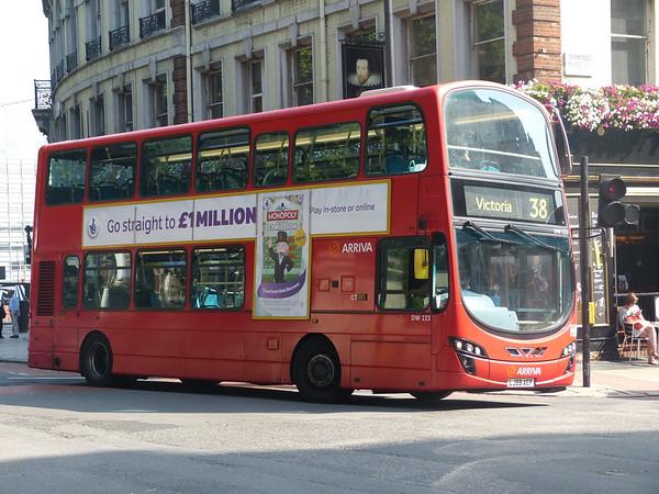 Arriva London DW223 130905 Victoria