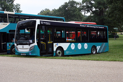 2000-YY15 NJU at Woburn Abbey, Showbus 2015.