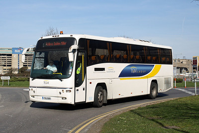CSU 909 at Hatton Cross, Heathrow.