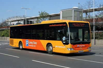 Mercedes Benz Citaro BD08 DZS at Heathrow Central