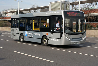 ADL Enviro 200 KX59 CZJ at Heathrow Central