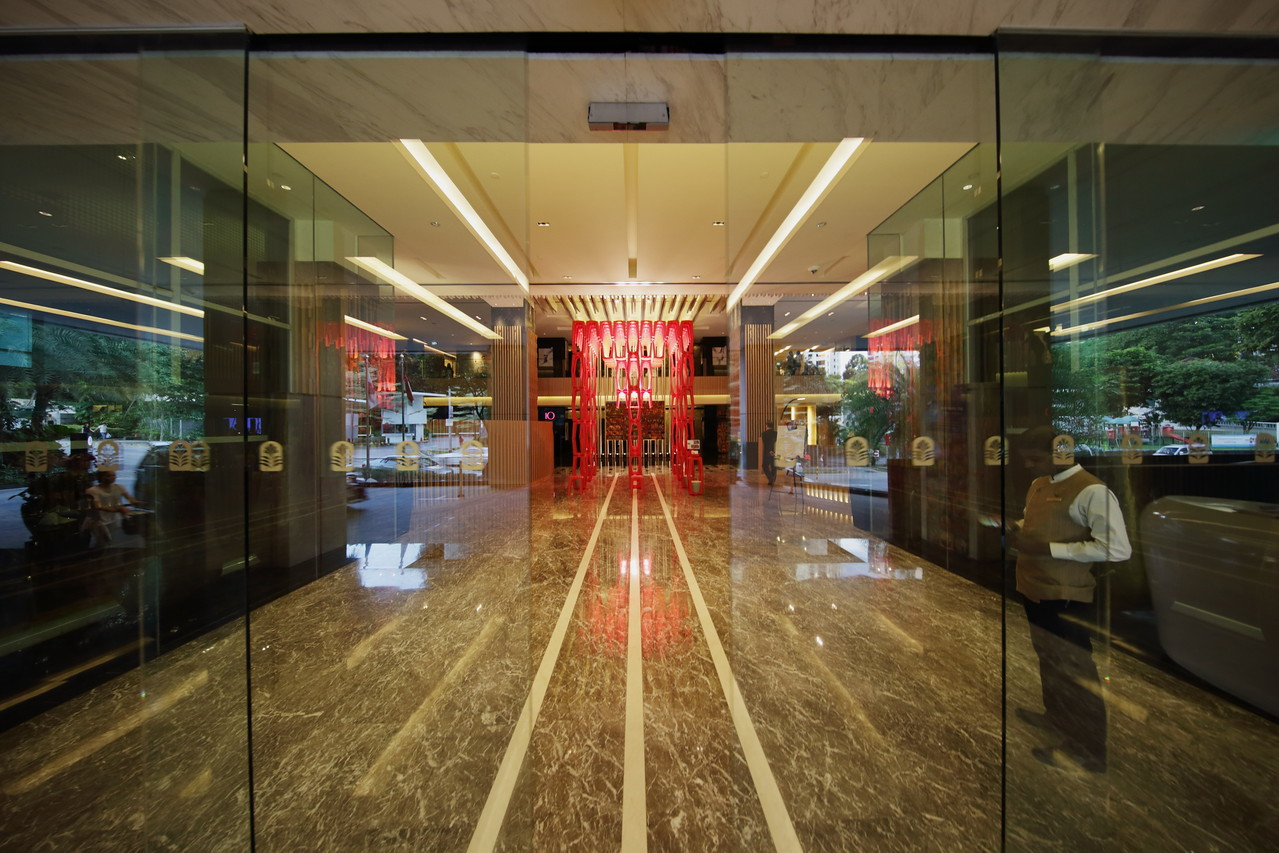 Pan Pacific Orchard hotel lobby entrance
