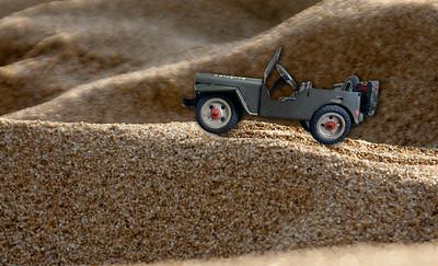 080214 181448 jeep sand
