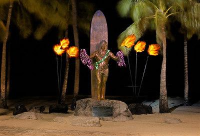 Duke Kahanamoku statue in Waikiki