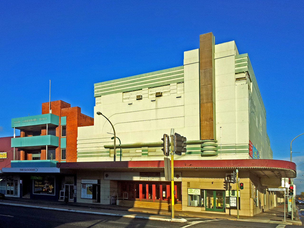 26 July, 2014: Regent Theatre and Good Companions Hotel, Tamworth, New South Wales.
