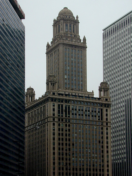 Early 20th Century skyscraper, central downtown Chicago, Illinois.