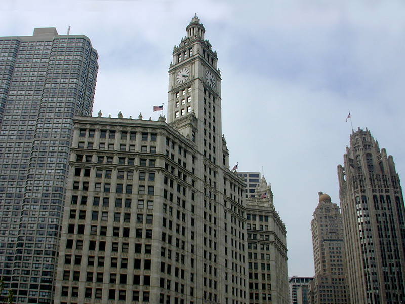 Central downtown Chicago, with the Wrigley Building (centre) and Chicago Tribune Building (right).