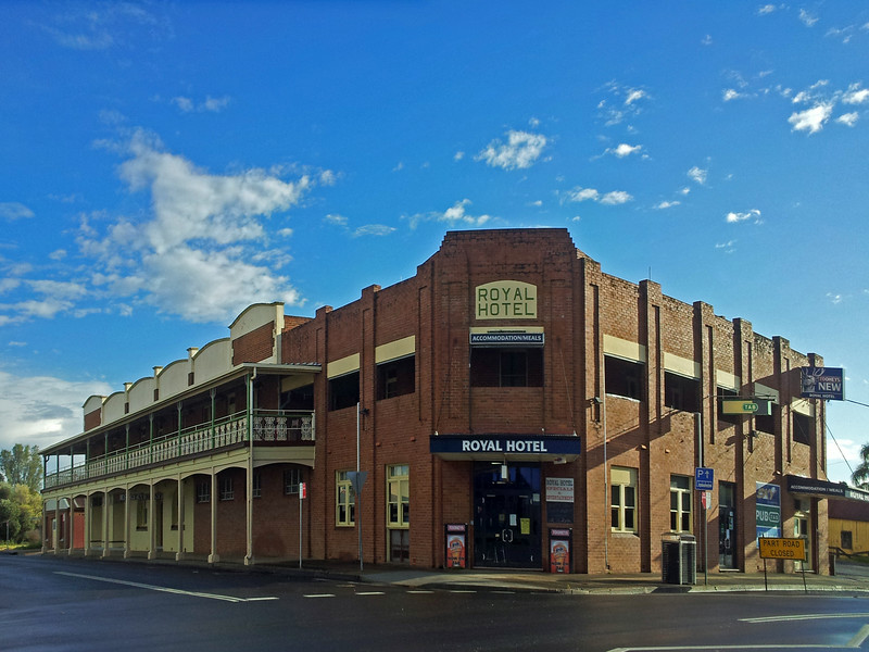 26 July, 2014: Royal Hotel, Gilgandra, New South Wales.