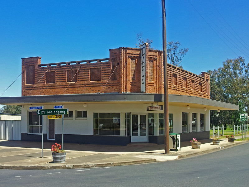 16 October, 2013: Shopfront, Eugowra, New South Wales.