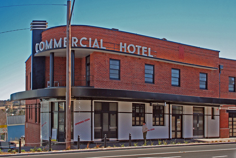 28 July, 2014: Commercial Hotel, Tenterfield, New South Wales.