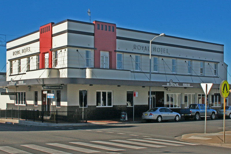 27 July, 2014: Royal Hotel, Armidale, New South Wales.