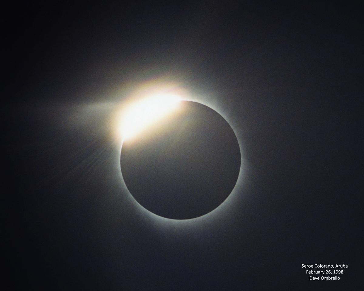 Aruba Diamond Ring, my favorite eclipse photo.
