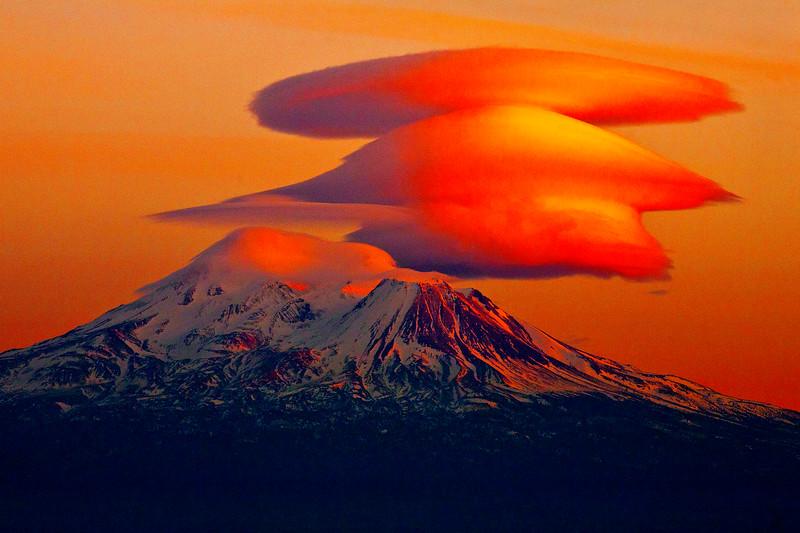 mt shasta lenticular sunset_cc3_9427