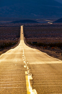 Highway 190 through Death Valley_R_12x18x300_0395