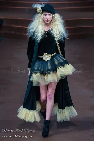 Art Hearts Fashion Week / Lainy Gold