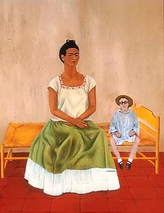 Playing dolls with Kahlo