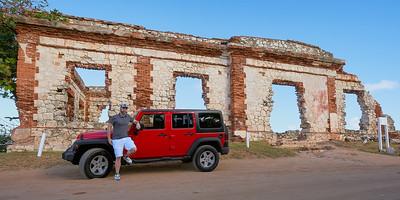 Con Jeep en Las Ruinas