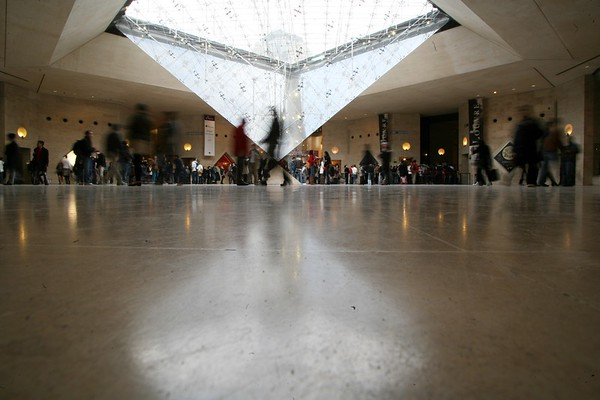 Crowd, Carrousel du Louvre, Paris, France, 2011
