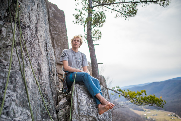 Climbing-Seneca-Rocks-West-Virginia-by-Gabe-DeWitt-feb17-74