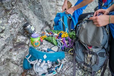 Climbing-Seneca-Rocks-West-Virginia-by-Gabe-DeWitt-feb17-11