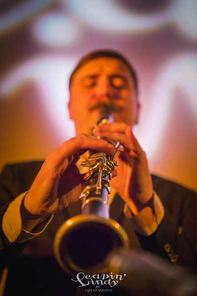 Leapin' Lindy 2017 - Swing-In Party with the Home Jazz Band  http://www.lightexmachina.com/Chambre-noire-Darkroom/Dance/Leapin-Lindy-2017/  Feel free to share on Facebook with the author's credit and no crop, for non promotional and non commercial use. © Light eX Machina 2017, all other rights reserved.