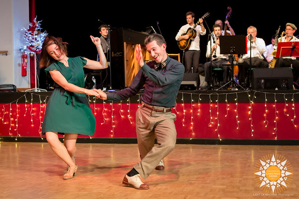 Strasbourg Christmas Swing 2017 - teachers demos  Contact the photographer for commercial usage. Feel free to share on social media with the author's credit and without cropping, for non promotional and non commercial use.  © Light eX Machina 2017, all other rights reserved.  Better quality pictures on http://www.lightexmachina.com/Chambre-noire-Darkroom/Dance/Strasbourg-Christmas-Swing-2017