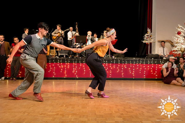 Strasbourg Christmas Swing 2017 - Teachers intro  Contact the photographer for commercial usage. Feel free to share on social media with the author's credit and without cropping, for non promotional and non commercial use.  © Light eX Machina 2017, all other rights reserved.  Better quality pictures on http://www.lightexmachina.com/Chambre-noire-Darkroom/Dance/Strasbourg-Christmas-Swing-2017