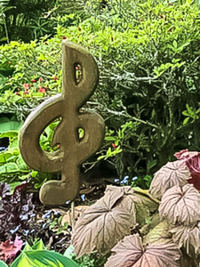 Treble Clef in the Garden at Cains Hill