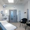 Standard undersøkelsesrom i poliklinikk.
